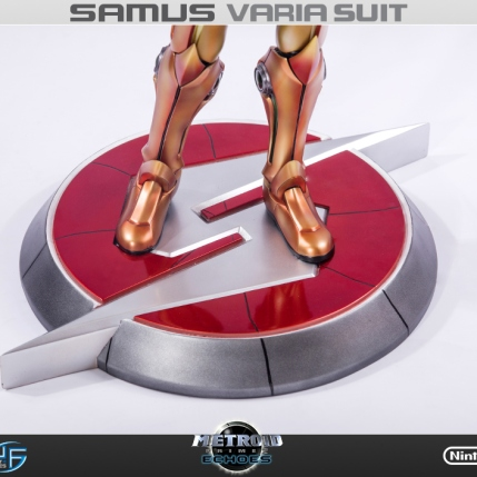 First4Figures Metroid Prime 2 Echoes Varia Suit Standard Edition Statue 11