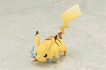 Kotobukiya ARTFX J Trainer Red With Pikachu Statue 10