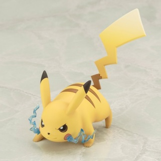 Kotobukiya ARTFX J Trainer Red With Pikachu Statue 10
