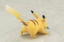 Kotobukiya ARTFX J Trainer Red With Pikachu Statue 11