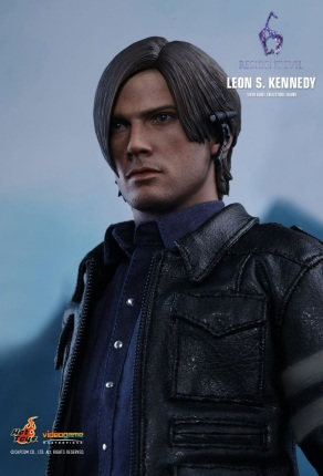 Resident Evil 6 20th Anniversary Hot Toys Leon Kennedy Figure 2