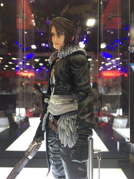 Square Enix SDCC 2016 Play Arts KAI Dissidia Final Fantasy Squall