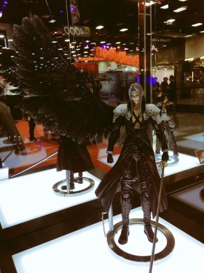 Square Enix SDCC 2016 Play Arts KAI Final Fantasy VII Sephiroth