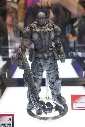 Square Enix SDCC 2016 Play Arts KAI Gears Of War 3 Marcus Fenix Prototype 1