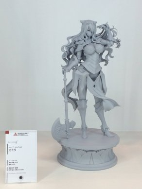 nycc-2016-intelligent-systems-fire-emblem-fates-camilla-statue-prototype