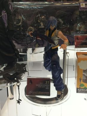 nycc-2016-play-arts-kai-kingdom-hearts-riku-figure