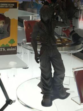 nycc-2016-play-arts-kai-kingdom-hearts-riku-prototype-figure