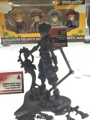 nycc-2016-play-arts-kai-kingdom-hearts-sora-prototype-figure