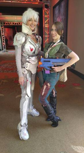 quakecon-2016-yvonna-lynn-and-kitty-darko